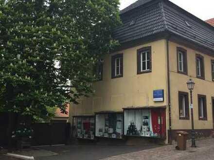 """Komfortabel wohnen im Denkmal """"Altes Pfarrhaus"""" in Marktheidenfeld - Stadtmitte"""