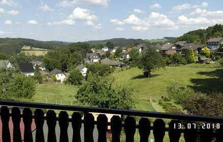 Schöne 2-Zimmer-DG-Wohnung mit Balkon in Lindlar