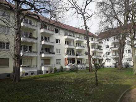 LAGE! Innenstadt; PROVISION FREI; 3 zimmer Wohnung 65 qm; Balkon 2 qm; 2 Parkplätze; Grünen Hof