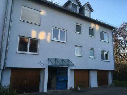 Gepflegte 2,5-Zimmer-Wohnung mit Balkon und EBK in Dürnau