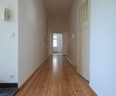 geräumige 5-Raum-Wohnung im Altbaucharme*2 Balkone*Gäste-WC*Abstell*2.OG