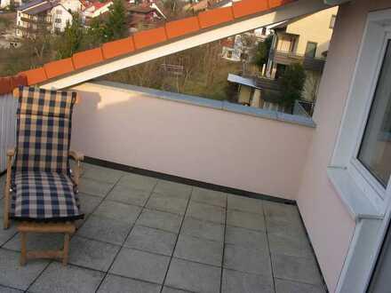 Exclusive lichdurchflutete, renovierte 2-Zimmer Dachgeschosswohnung