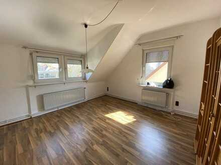 Attraktive Wohnung mit drei Zimmern in Frankfurt/M-Bergen