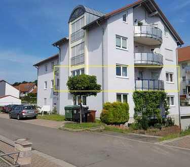 Günstige, vollständig renovierte 4-Zimmer-Wohnung mit Balkon in Eisenberg (Pfalz)
