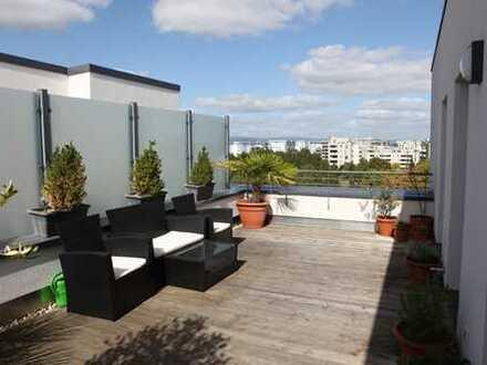 Penthouse mit Traumblick & 30m² Terrasse - eine einzigartige Ruhe-Oase mitten im Europaviertel