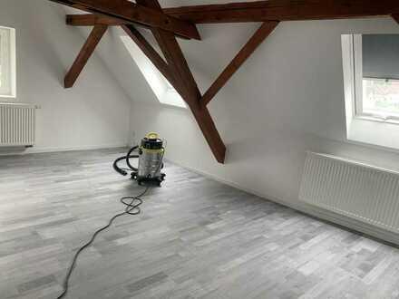 Erstbezug nach Sanierung: ansprechende 4-Zimmer-Wohnung mit luxuriöser Innenausstattung in Elztal