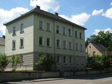 Modernisierte 3-Zimmer-Wohnung 1. OG mit Einbauküche in Amberg