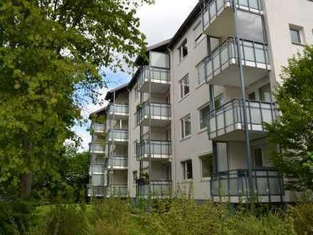 Schöne sanierte 4 Zimmer Wohnung mit Balkon in Bürgerpark und Uninähe WG geeignet!