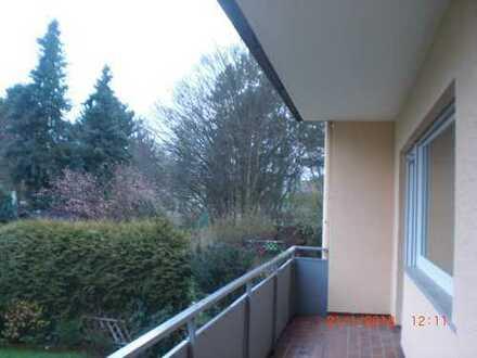 Erstbezug nach Sanierung: schöne 4-Zimmer-EG-Wohnung mit Einbauküche und Balkon in Bad Camberg