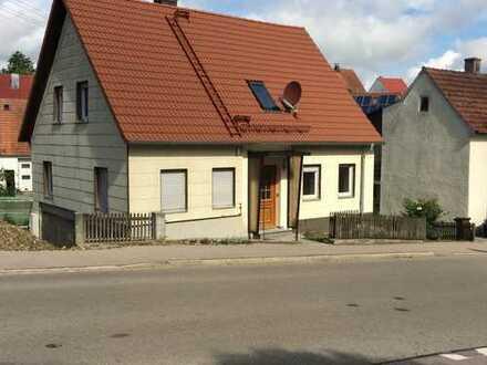 Schönes Haus mit vier Zimmern in Dillingen an der Donau (Kreis)Bissingen