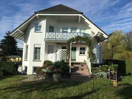 Großzügiges Einfamilienwohnhaus in gehobener Ausstattung in bevorzugter Stadtrandlage von Mayen