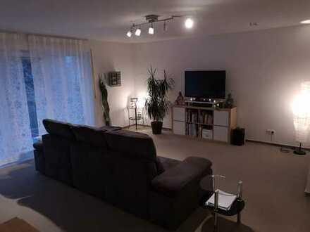 Gepflegte 2-Zimmer-Wohnung mit Balkon und Einbauküche in Stammheim, Köln