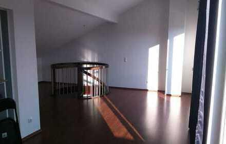 Neuwertige 3-Zimmer-Maisonette-Wohnung mit Balkon und EBK in Dortmund