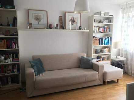 Möblierte 2-Zi-Wohnung in zentraler Lage; Furnished 1-bedroom apartment in central location