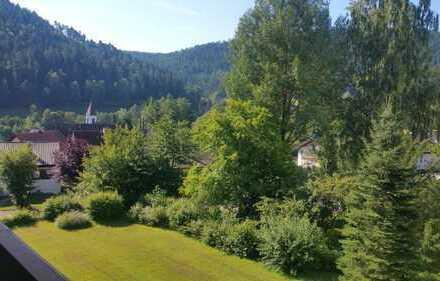 VOLL Möblierte 1-Zimmer-Wohnung mit Balkon und Einbauküche in Enzklösterle