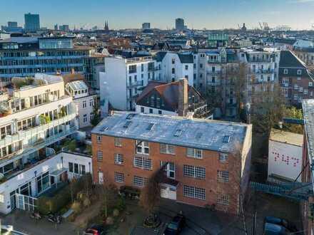 Wohnen und Arbeiten im Fabrik-Loft-Gebäude! Hinterhof-Dachgeschoss Einheit zur freien Gestaltung!