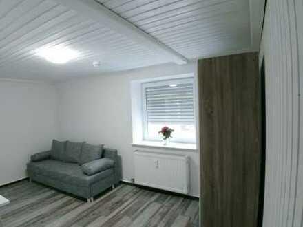 Möblierte stilvolle 1-Zimmer-Wohnung mit EBK nach Sanierung