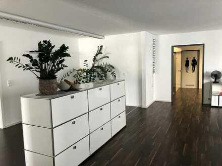 Hochwertige Büroräume in zentraler Lage in Pfullingen bei Daimler Benz Niederlassung, provisionsfrei