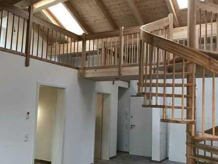 Wunderschöne Galeriewohnung mit Einbauküche und Sichtdachstuhl Nr. 22