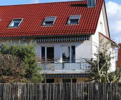 Modernisierte Doppelhaushälfte mit fünf Zimmern und EBK in Bobingen, Bobingen