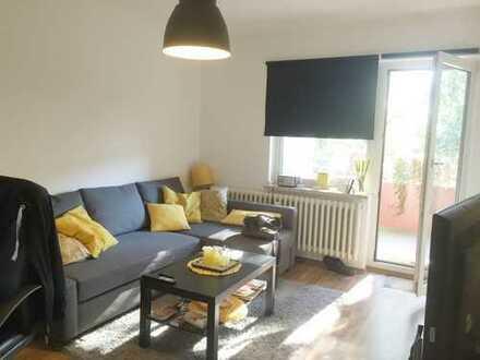 Sehr schöne 3-Zimmer-Wohnung mit großem Balkon und Blick ins Grüne!!