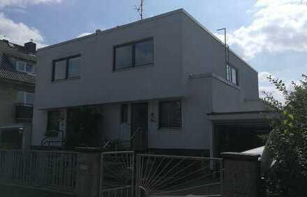 Mietdauer: 1 bis 3 Jahre - Doppelhaushälfte mit vier Zimmern in Berlin, Rudow
