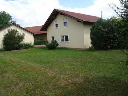 Schönes Haus mit fünf Zimmern in Cham (Kreis), Schönthal