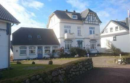 Charmantes Gästehaus im Bäderstil mit gültiger Baugenehmigung zum Hotelumbau!