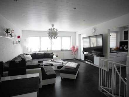 """""""Provisionsfreie"""" Vollständig renovierte 5-Raum-Hochparrre-Wohnung in Heimsheim"""