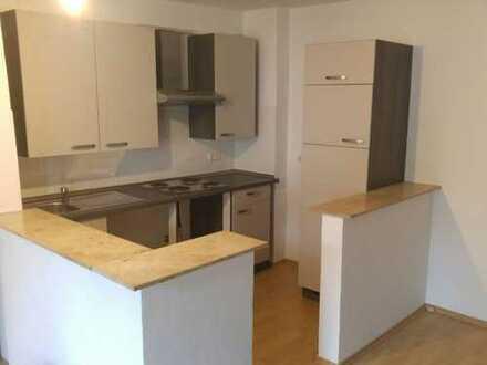Schöne 47 m² Wohnung. 1 Etage - Komplett renoviert mit Einbauküche. Ab sofort frei