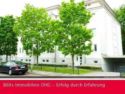 Nähe Weserpark ! Großzügige Single-Wohnung in ruhiger Wohnstraße