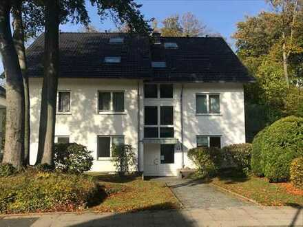 Mit eigenem großen Garten: repräsentative Gesamtetage eines 5-Parteienhauses in Bi-Hoberge