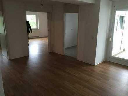 Gepflegte 2,5-Zimmer-Wohnung mit Balkon und Einbauküche in Eppelheim