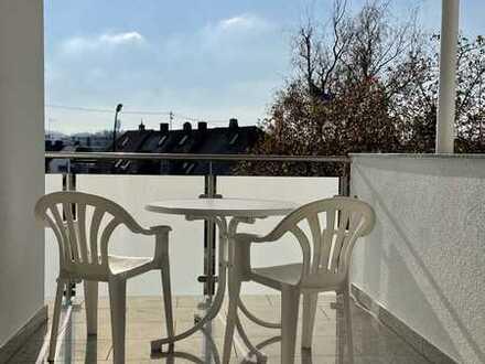 Traumhafte, neuwertige 5-Zimmer-Wohnung mit Balkon und EBK - für Singles+Paare