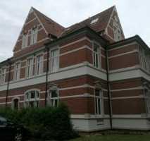 Schöne Wohnung in historischer Villa direkt am Bahnhof zu sofort frei