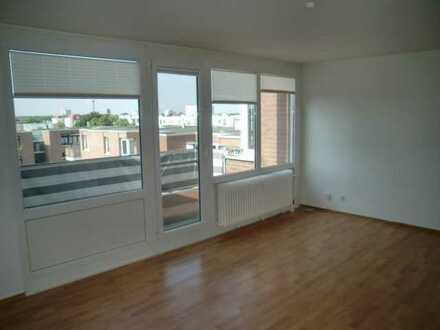 Geräumige 3-Zimmerwohnung mit Wannenbad, Aufzug, Balkon und Einbauküche