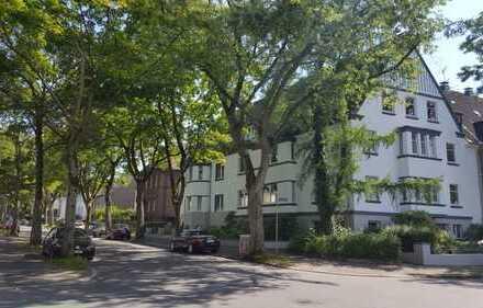*Dachgeschoss-Wohnen am Stadtpark mit Dach-Terrasse*