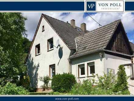VIEL POTENTIAL - TEILW. SANIERT - TOLLES GRUNDSTÜCK  DHH in beliebter Lage von Boppard-Buchenau