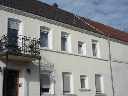 2-3 ZKB Wohnung in stilvollem Bauernhaus