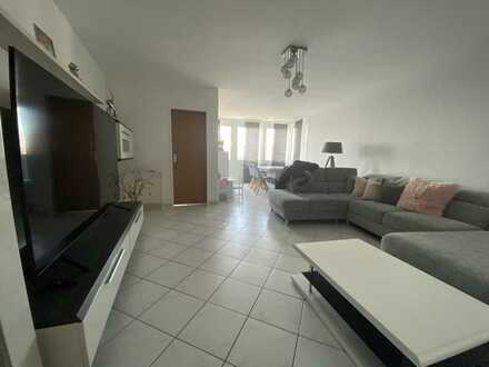 Moderne Eigentumswohnung mit ca. 162 m² Wohnfläche, 5 Zimmern, Wintergarten und Garage