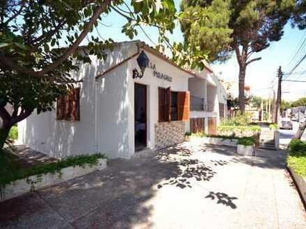 Typisches mallorquinisches Ferienhaus in Cala Millor , nur 100 m vom Strand entfernt.