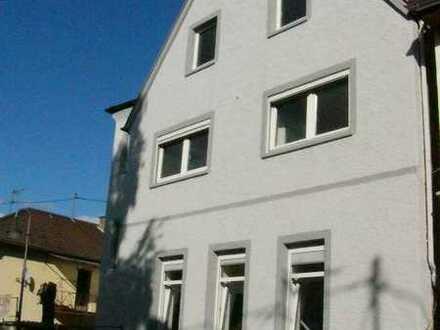 Große, geräumige 3,5 Zimmer Dachgeschosswohnung