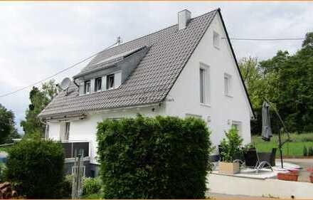 **Topsaniertes 1-2 Familienhaus und Einliegerwohnung in 75378 Möttlingen**