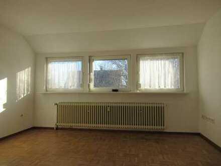 Gemütliche 4 Zimmer-Wohnung im Zweifamilienhaus mit Balkon!
