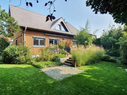 Gensingen – Traumhaftes Einfamilienhaus mit 2 ELW in ruhiger Lage!