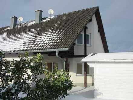 Sehr schöne Doppelhaushälfte in bester Wohnlage zu vermieten!