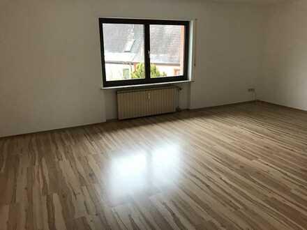 Großzügige 3-Zimmer-Wohnung mit großer Terrasse im 1.OG eines früheren landwirtschaftlichen Anwes...