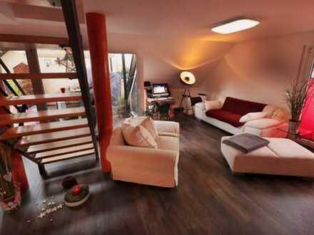 Gepflegte 4-Zimmer-Maisonette-Wohnung mit großer Dachterrasse + Balkon und EBK in Nagold