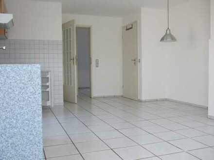 Hürth/Gleuel, Helle 2-Zimmer Einliegerwohnung mit eigenem Zugang, warm zu vermieten