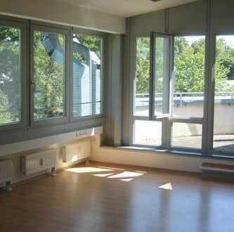 Büro- und Praxisfläche mit sonniger Dachterrasse in Starnberg - Percha